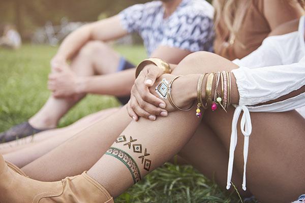 5 temporary tattoo ideas for festivals stickeryou for Custom temporary tattoos no minimum