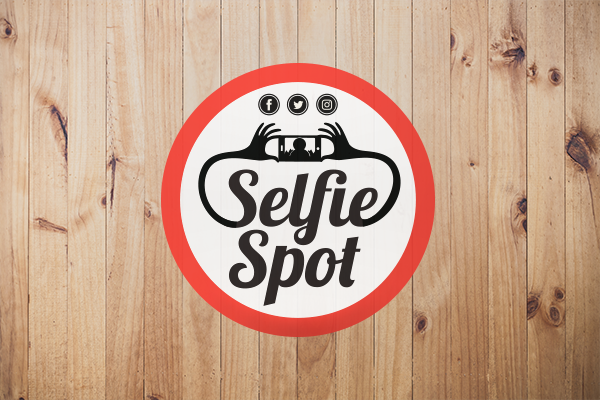 Selfie spot floor decal